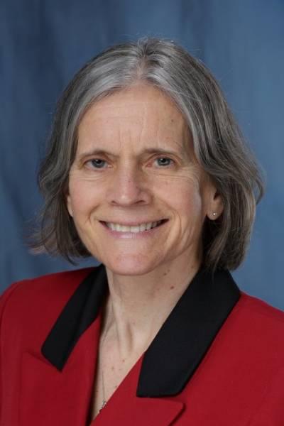 Carolyn S Hanson