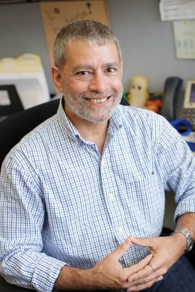 Anthony T Maurelli