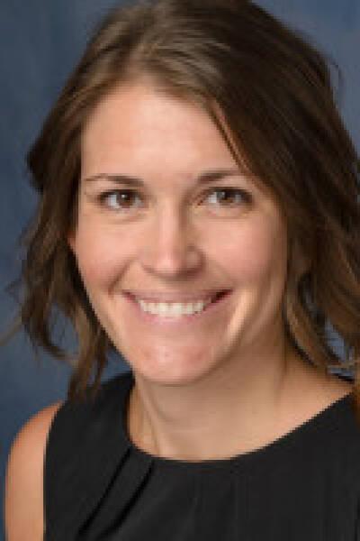 Amanda R Elsey